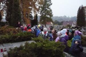 wizyta na cmentarzu  01