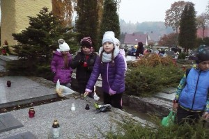 wizyta na cmentarzu  02