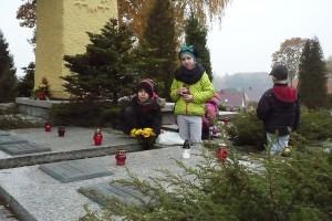 wizyta na cmentarzu  05