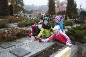 wizyta na cmentarzu  06