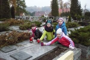 wizyta na cmentarzu  07