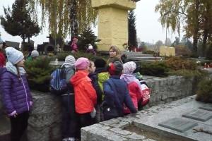 wizyta na cmentarzu  08