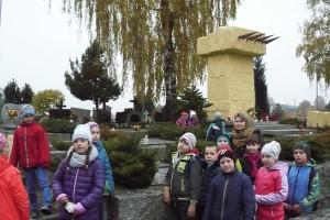 wizyta na cmentarzu  10