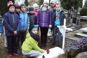 wizyta na cmentarzu  12