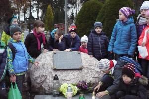 wizyta na cmentarzu  13