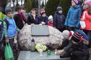 wizyta na cmentarzu  14