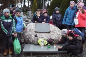 wizyta na cmentarzu  15